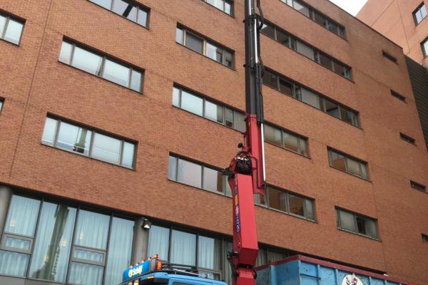 2018-13-11 Afhijswerkzaamheden tijdens verbouwing hotel nabij Amsterdam Sloterdijk (3)